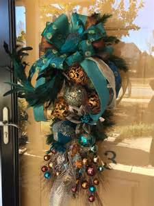peacock decorations best 25 peacock christmas decorations ideas on pinterest