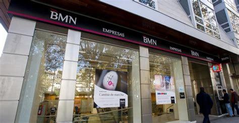 oficinas bankia cartagena decenas de extrabajadores de bmn demandan al banco por