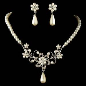 Rhodium White Pearl & Rhinestone Flower Jewelry Set 4216 Jewelry