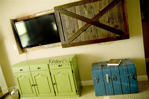Barn Door Tv Cover White Sliding Barn Door Tv Cover From Kristen Duke Diy Projects