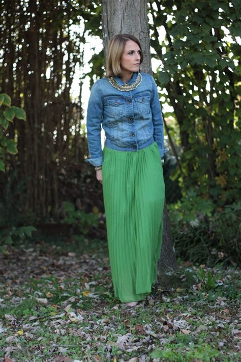Longdress Vichita green skirt and denim jacket fashion tip 77