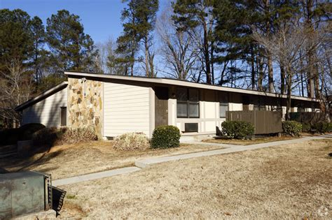 section 8 apartments in stone mountain ga shadow trace apartments rentals stone mountain ga