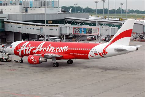 air asia wikipedia indonesia file indonesia airasia airbus a320 prasertwit 3 jpg