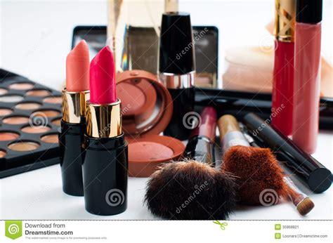 Makeup Makeover Satu Set makeup and cosmetics set stock image image of color