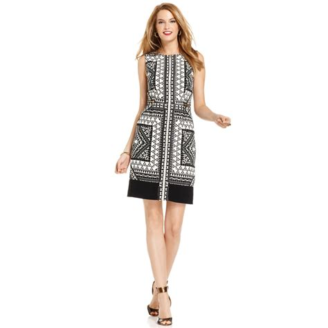 Ivanka Black Dress ivanka graphicprint zipfront dress in white black
