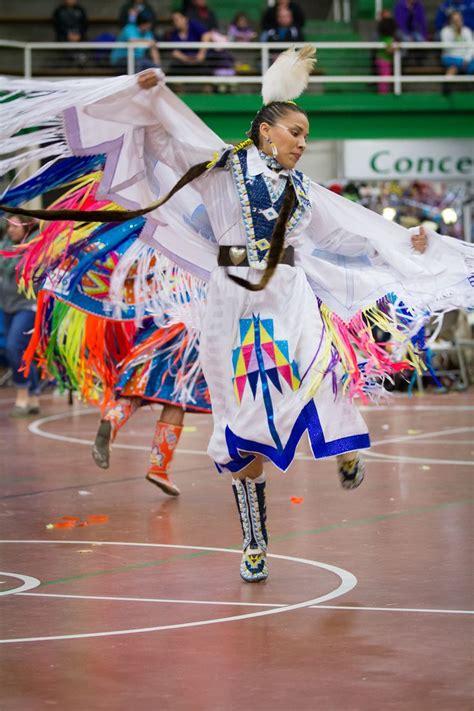 1000 ideas about powwow regalia on jingle