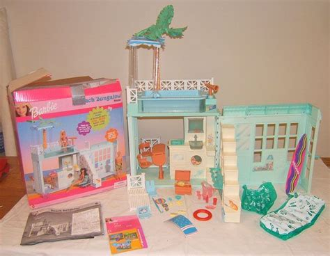 barbie doll beach house barbie beach bungalow folding house mattel 2000 i had