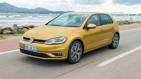Auto Trader Uk by 2017 Volkswagen Golf Drive Review Auto Trader Uk
