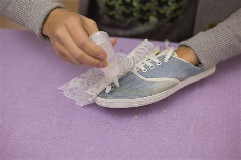 diy shoe decoration diy shoes makeover idea decorate sneakers with lace