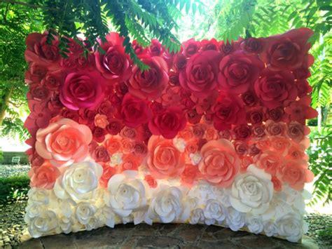 Dekorasi Lamaran Paper Flower Backdrop tren bunga kertas untuk backdrop lamaran atau pelaminan yang manis banget simak 15 inspirasinya