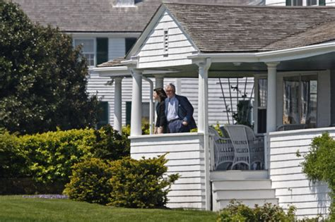 house on the right kennedy compound