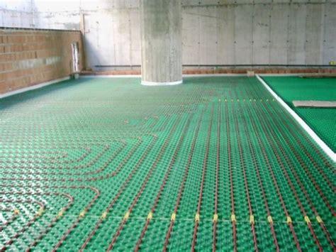 riscaldamento a pavimento pregi e difetti vantaggi e svantaggi riscaldamento a pavimento senza soldi