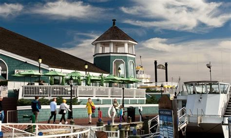 Chart House Alexandria by The Chart House Restaurant On The Water In Town Has