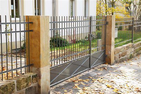 zaun mauer holz u metallz 228 une bruchsteinmauern betonelemente zur
