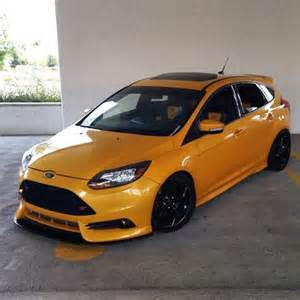 yellow ford focus st 3 from usa with black rims ford
