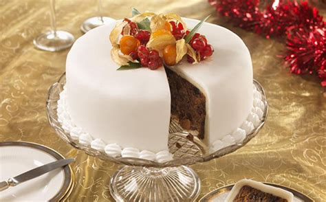 the best christmas cake recipes with a twist