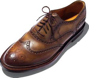 ayakkabi satin alirken adam gibi giyin