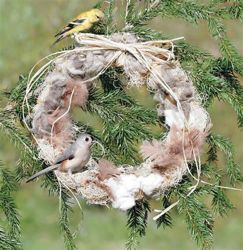 duncraft com feather your nest wreath birds wildlife