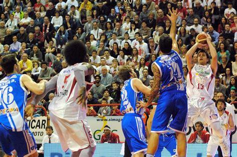 banco sardegna sassari basket pistoia basket banco di sardegna sassari i precedenti al