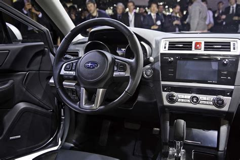 2015 subaru legacy interior 2015 subaru legacy look photo gallery motor trend