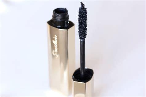 Mascara Guerlain guerlain s new cils d enfer maxi lash mascara gets lashes one step closer to zac efron makeup