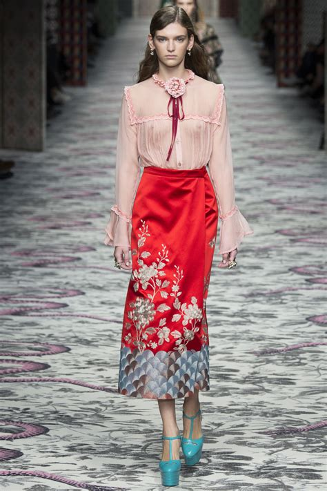 Wardrobe In Fashion Shows by How To Recreate The Gucci 2017 Runway Shows Style Lena