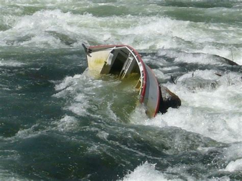 drift boat deschutes river any pics of a dunked drift boats stories www ifish net