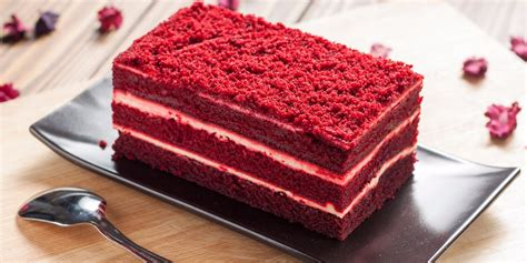 is velvet cake chocolate cake with food coloring here s the difference between velvet and