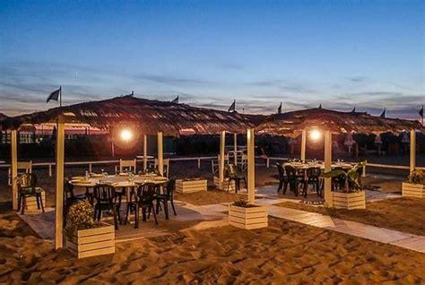 gazebo spiaggia i gazebo sulla spiaggia per comitive numerose foto di