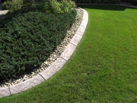 decorative concrete curbing