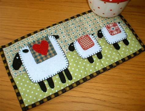 the patchsmith new to mug rugs
