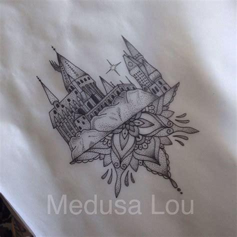hogwarts castle inspired by medusa lou