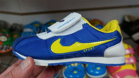 Busted 13725 Pairs Of Faux Nikes Seized In The City Of Big Shoulders Chicago Second City Style Fashion by Sars Bust Counterfeit Sneaker Operation Northglen News