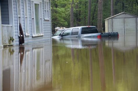q a how flooding victims can apply for federal aid