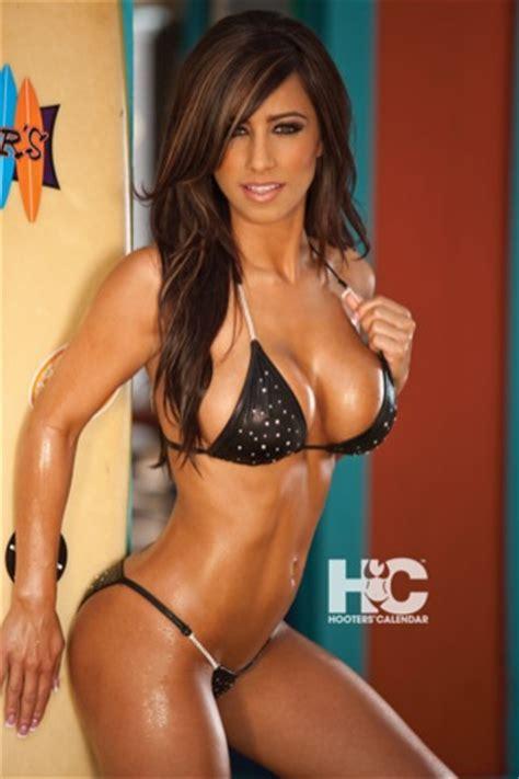 hooters calendar girls 2011 | webos nation