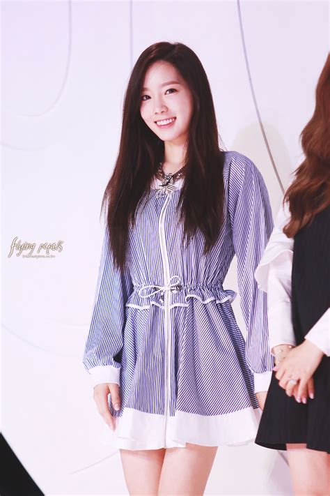 taeyeon fashion kode opening event 17 hd pics
