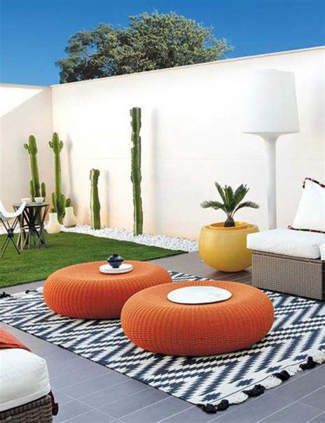 Délicieux Salon Jardin Rotin Pas Cher #3: 0-salon-jardin-pas-cher-salon-de-jardin-castorama-meubles-resine-en-orange.jpg
