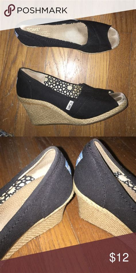 toms wedges comfortable 1000 ideas about black toms on pinterest tom shoes