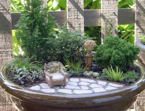 Jardin Zen Miniature by Le Mini Jardin Zen D 233 Coration Et Th 233 Rapie Archzine Fr