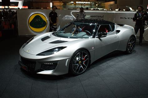 the new lotus a guided tour around the new lotus evora 400 by the