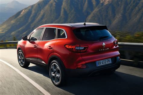 renault suv all new renault kadjar suv officially revealed 40 pics