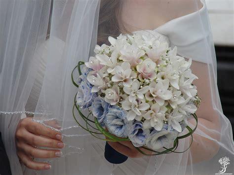bouquet di fiori per sposa idee bouquet da sposa immagini