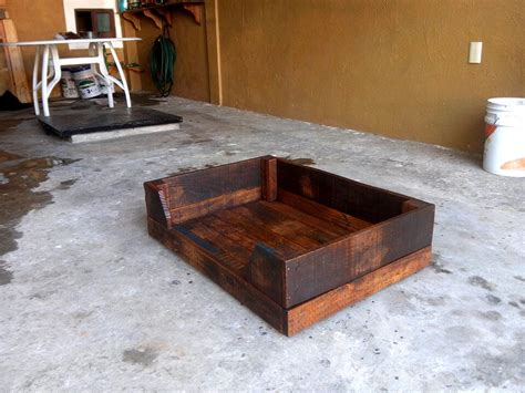 pallet dog bed plans diy wood pallet dog bed