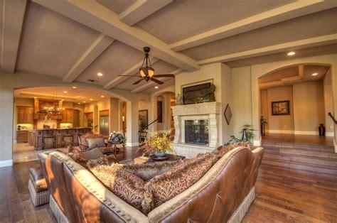 vaulted ceiling design vaulted living room ideas homesfeed