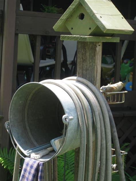 homestead crossing  blog diy water hose storage