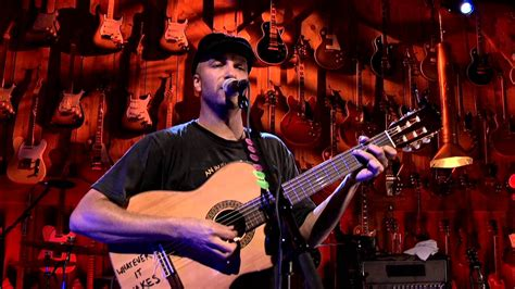 directv guitar player tom morello quot the garden of gethsemane quot guitar center