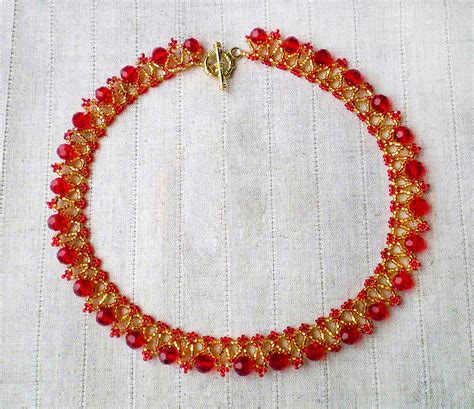 free pattern for necklace strawberry magic