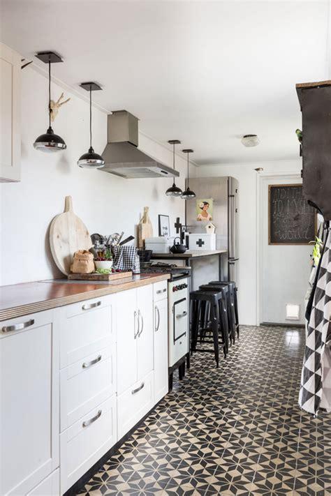 patterned tiles  kitchen floors