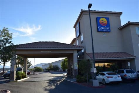 comfort inn north las vegas hotelfront picture of comfort inn suites las vegas