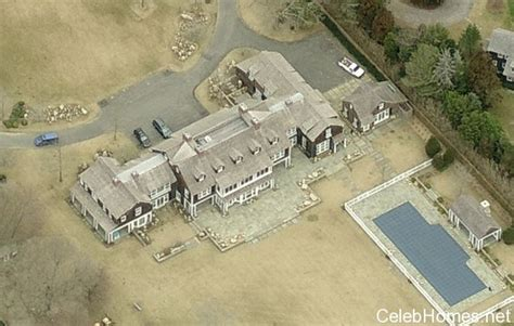 jerry seinfeld house jerry seinfeld s home htons celebrity homes celebrity houses celebhomes net